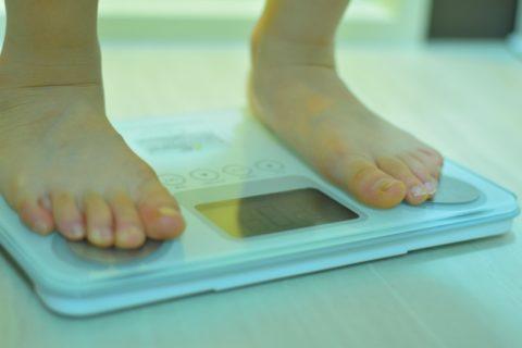 子供のダイエットの危険性と注意点【食事制限はダメ!数値で確認を】