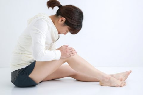 ひざの黒ずみを取る方法は簡単?ニベアと重曹の効果