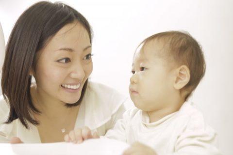 喃語はいつからいつまで?赤ちゃんの時期と発語までの流れを解説