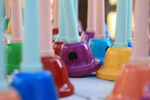 保育園のクリスマス会の出し物の年齢別アイデア!職員の出し物は?