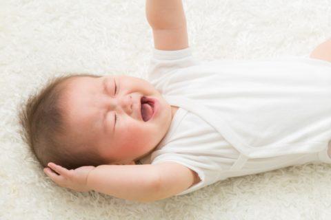 赤ちゃんのしゃっくりが多いは止めるべき?ほっとく?病院受診の目安