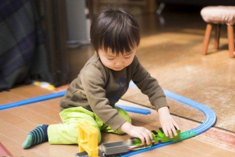 3歳児の室内遊びは何をする?おすすめ14選【雨の日に家でも使おう】