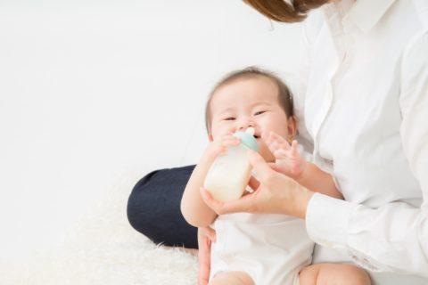 授乳中に泣く飲まない暴れる原因9選【赤ちゃんの様子を確認】