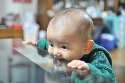 赤ちゃんの髪の毛が立つを楽しもう【すぐに落ち着くので大丈夫】