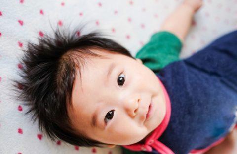 赤ちゃんの髪の毛が立つ原因は髪質?髪の毛の特徴とは?