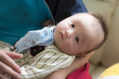 赤ちゃんの髪の毛立つふわっとなるのはなぜ?母乳が原因?【対策法】