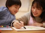 保育士2年目が子供にお絵描きを教える