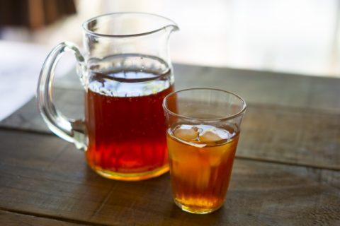 コップに入っている麦茶