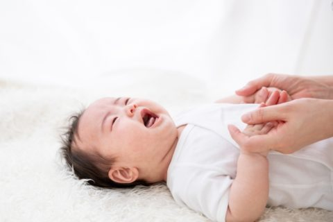 泣き叫ぶ赤ちゃん