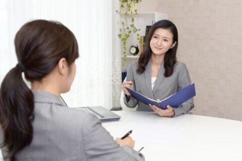 保育士資格で一般企業へ行けば稼げる?給料と転職方法を解説