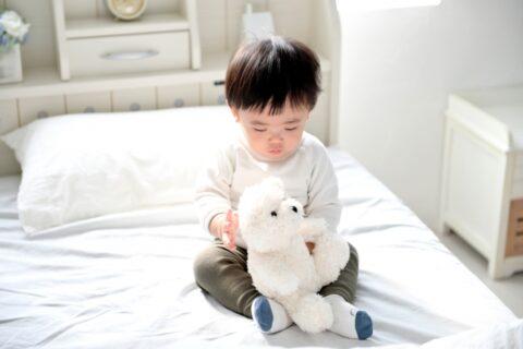 保育園のお昼寝で寝ない子を寝かせるコツ5選【保育士の裏ワザ】